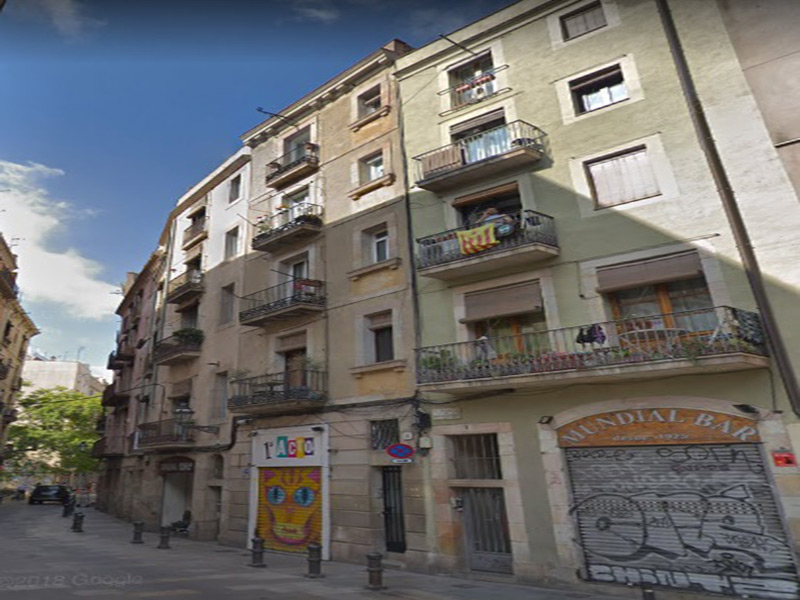 Restored flat of 30 m2 in Ciutat Vella, Borne