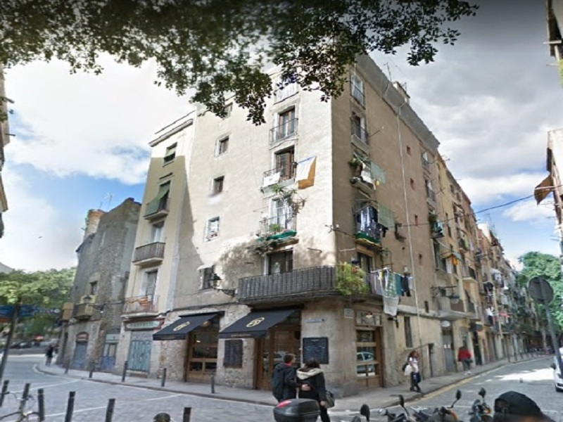 Restored flat of 45 m2 in Ciutat Vella, Borne