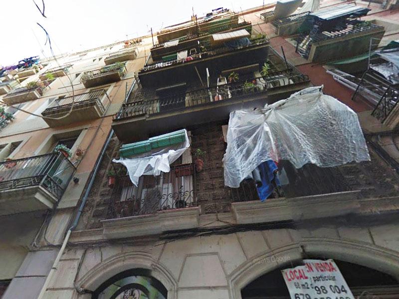 Departamento junto a Ronda Sant Antoni.
