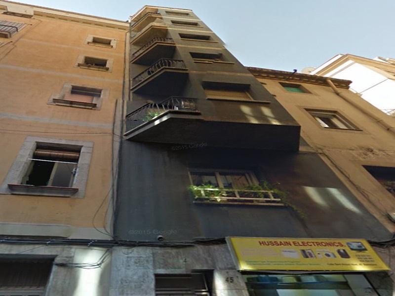 Departamento reformado en el límite barrio Sant Antoni.
