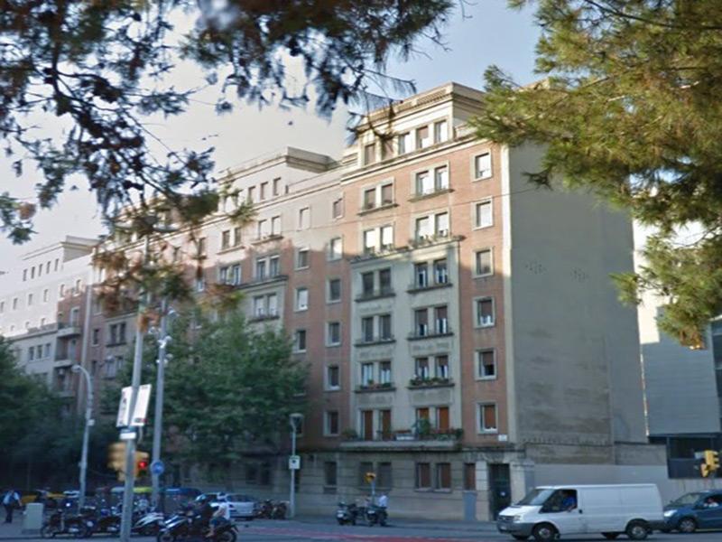 Bonito departamento junto a la Estación de Sants.