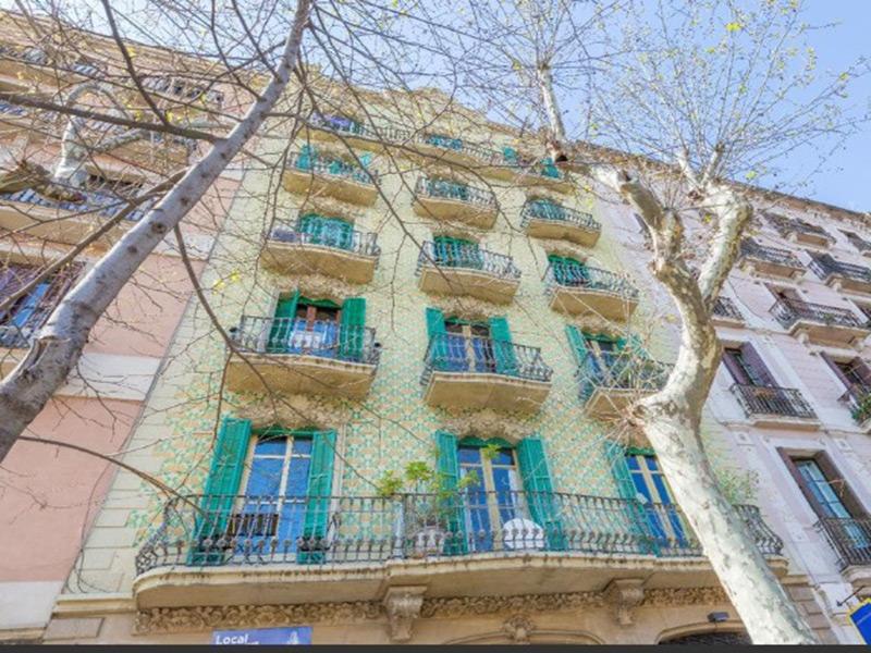 Departamento de lujo en una de las calles mas exclusivas de Barcelona.