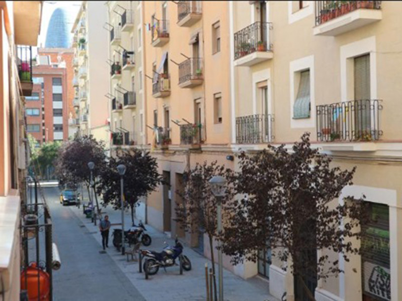 For renovation flat of 65.00 m2 in L'Eixample, Sagrada Familia