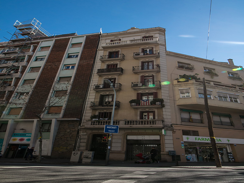 For renovation flat of 55.00 m2 in L'Eixample, Sagrada Familia