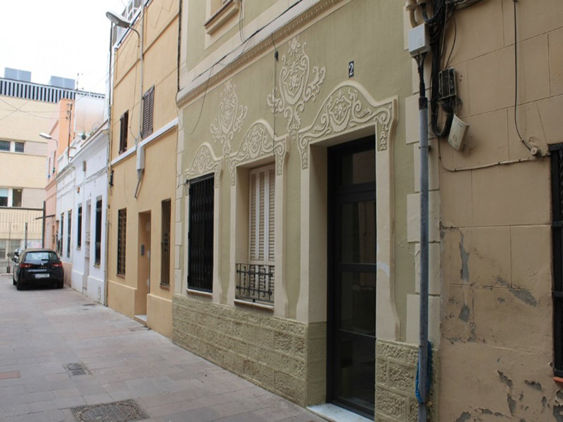 Partially restored flat of 46 m2 in L'Eixample, Sagrada Familia