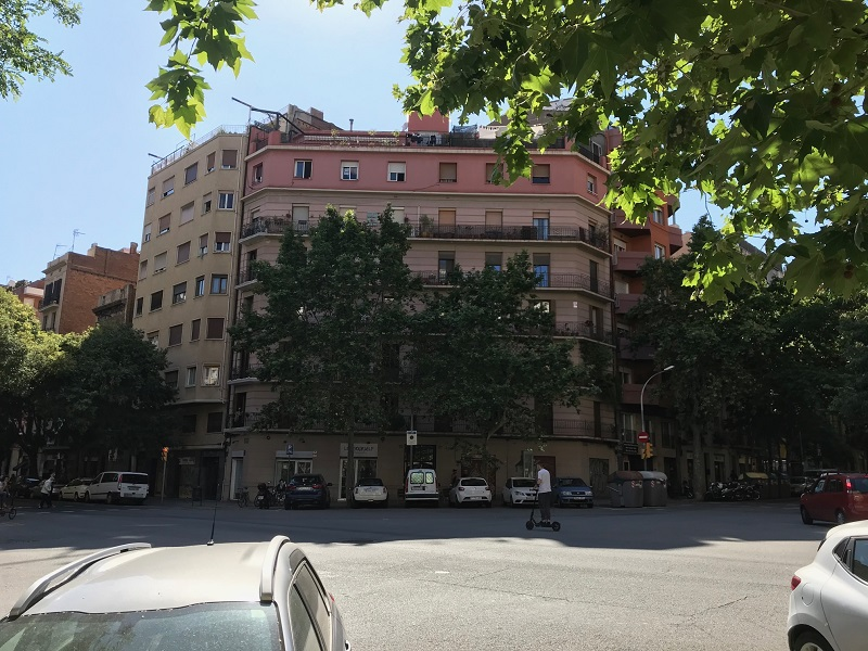 Partially restored flat of 48 m2 in L'Eixample, La Dreta de l'Eixample