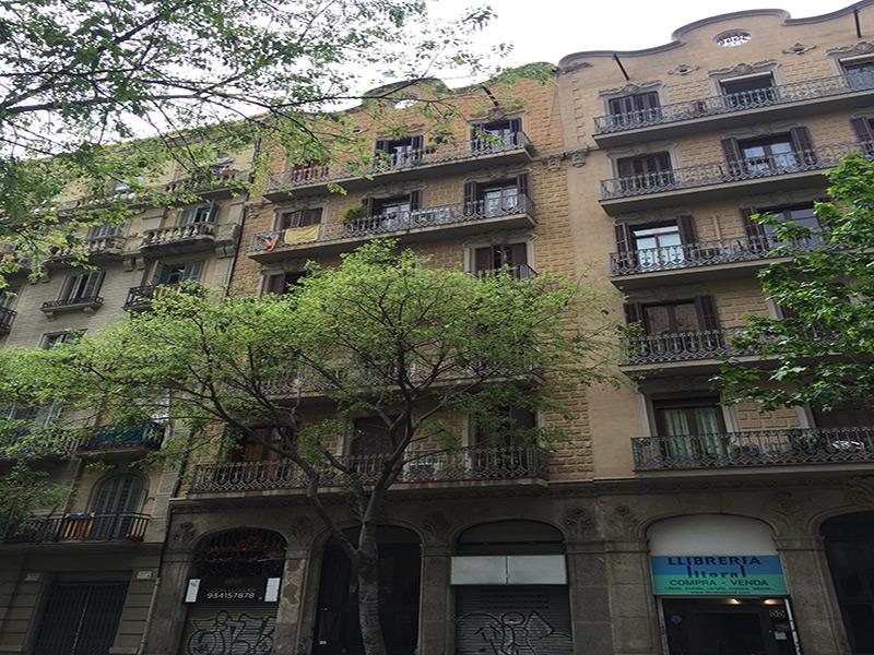 Hermoso departamento con terraza junto al Parque Joan Miro.