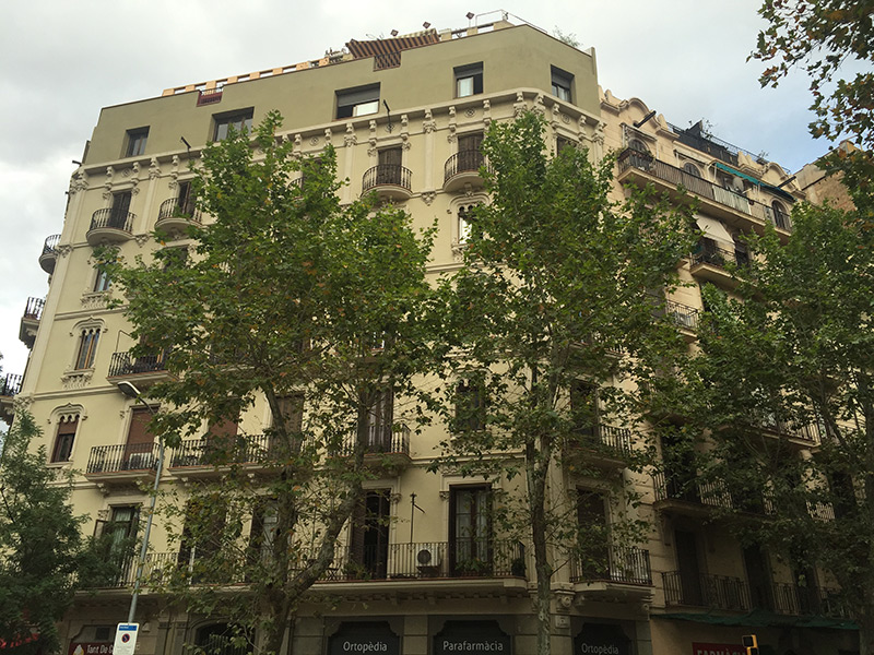 For renovation flat of 50.00 m2 in L'Eixample, Sant Antoni