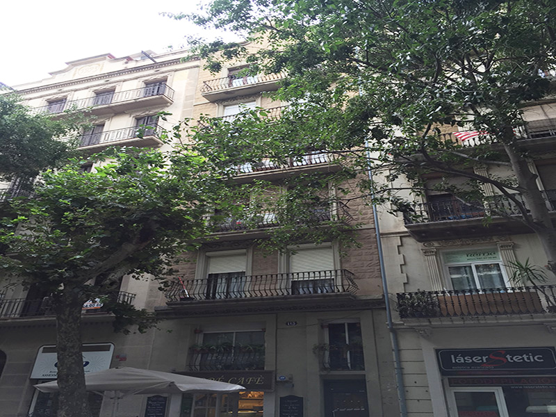 Loft cerca de Plaza España. y el Parque de Joan Miro.
