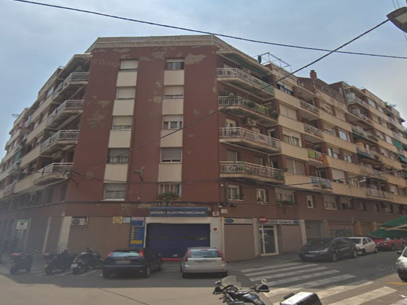 Partially restored flat of 65 m2 in Sants-Montjuic, Sants-Badal