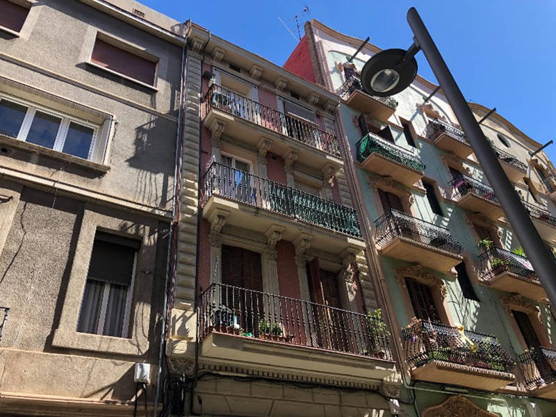 Partially restored flat of 40 m2 in Sants-Montjuic, Hostafrancs