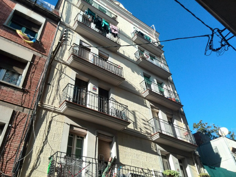 Partially restored flat of 49 m2 in Sants-Montjuic, Sants