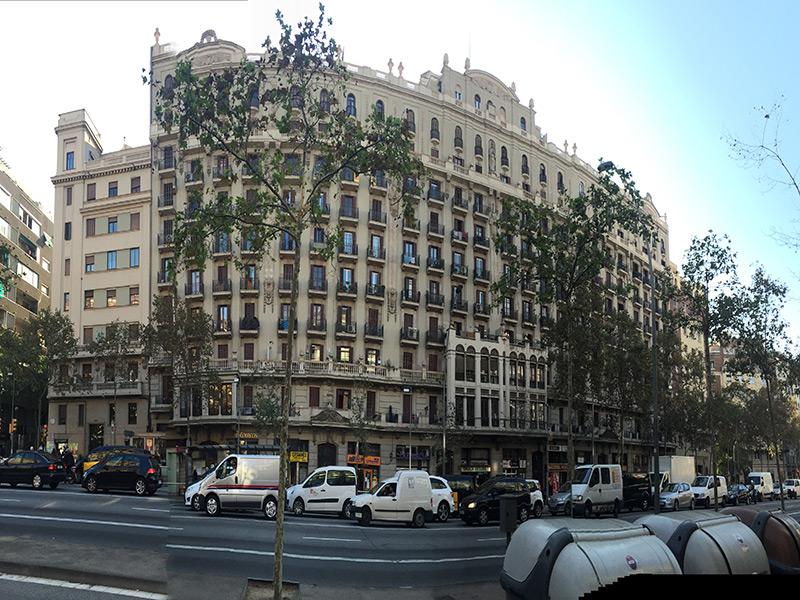 Departamento en precioso edificio cerca de Plaza España.