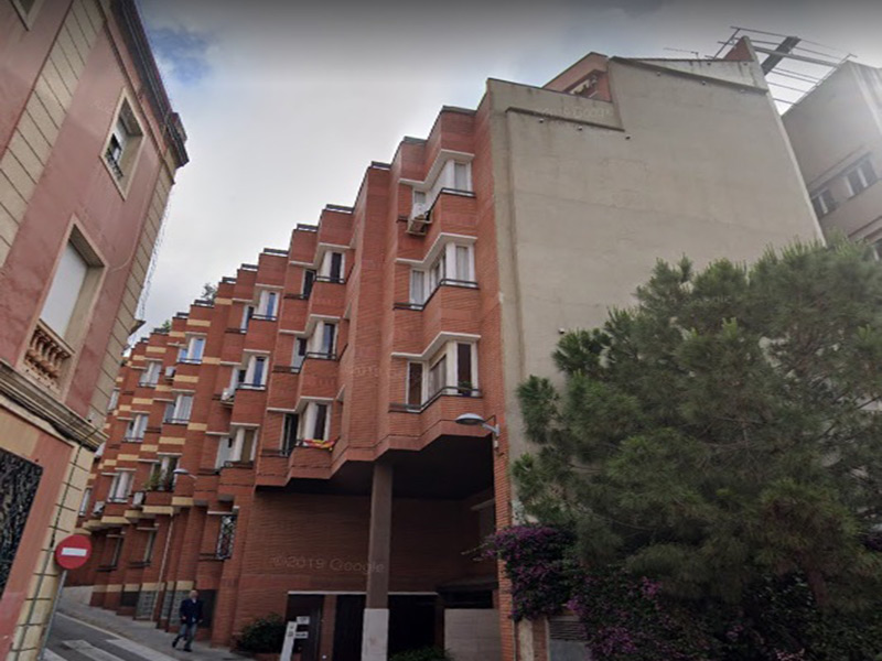 Partially restored flat of 30 m2 in Sarrià-Sant Gervasi, Putget i Farró