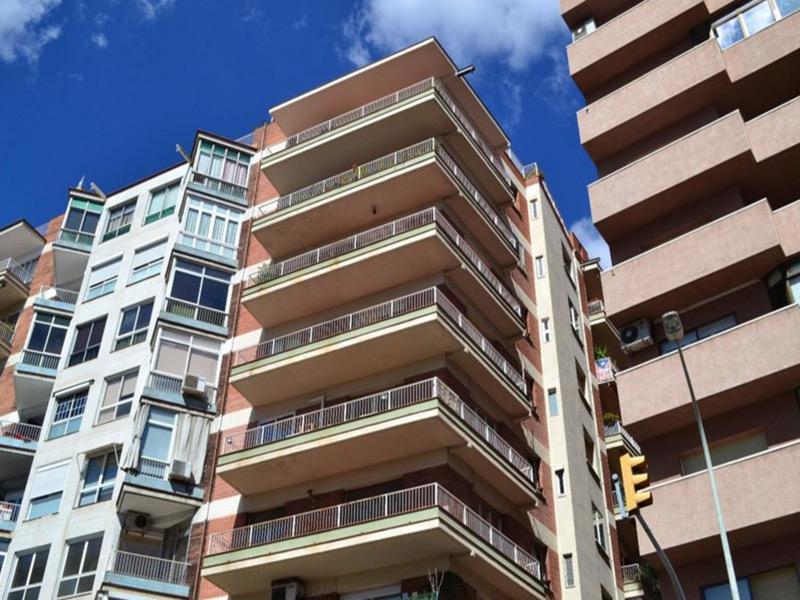Luminoso departamento cerca del Parque Guell.