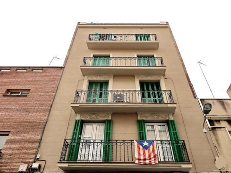 Departamento en hermoso edificio en el barrio de Gracia.