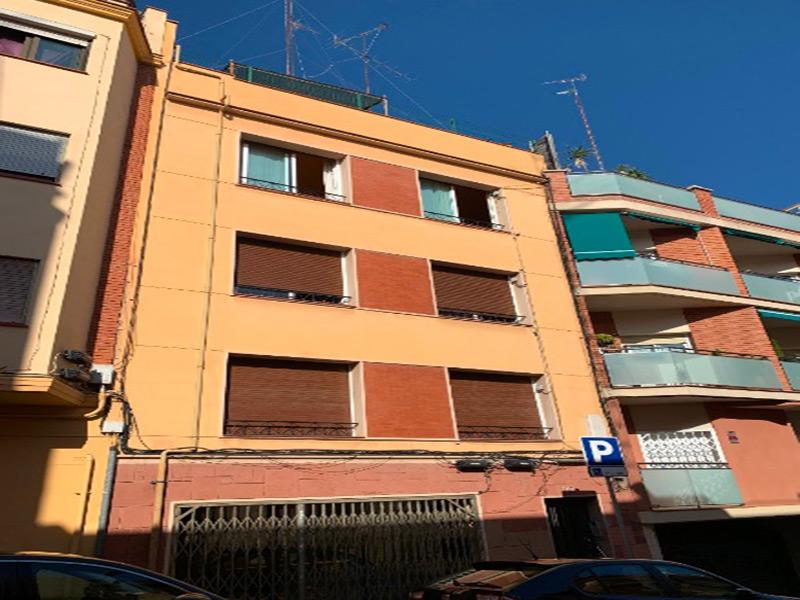 Luminoso departamento muy cerca del Hospital de San Pau.