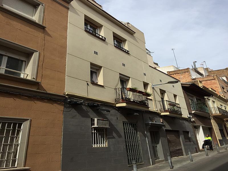 Departamento en calle semipeatonal, junto a Travessera de Gracia.