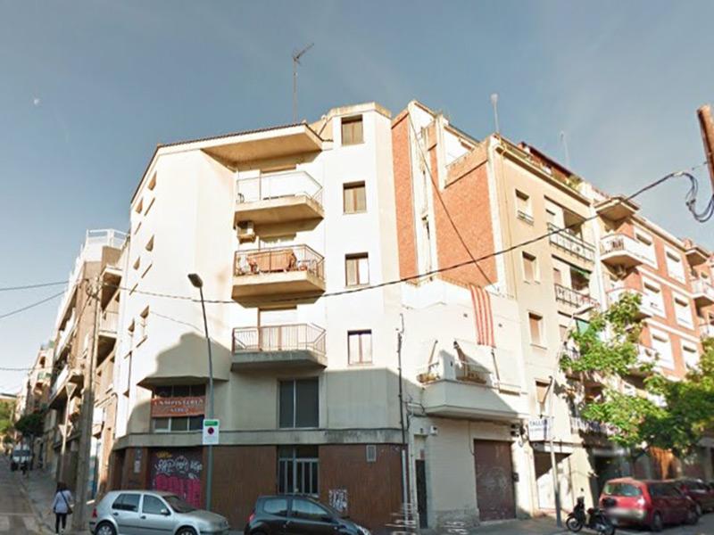 Luminoso departamento junto al Hospital de Sant Pau.