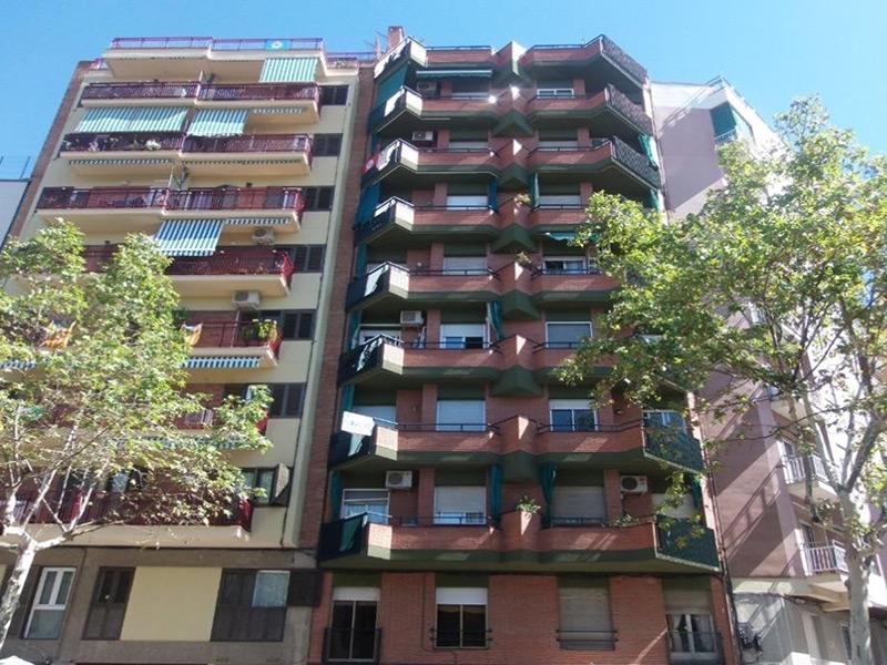 Departamento muy próximo a Av. Gaudi y la Sagrada Familia.