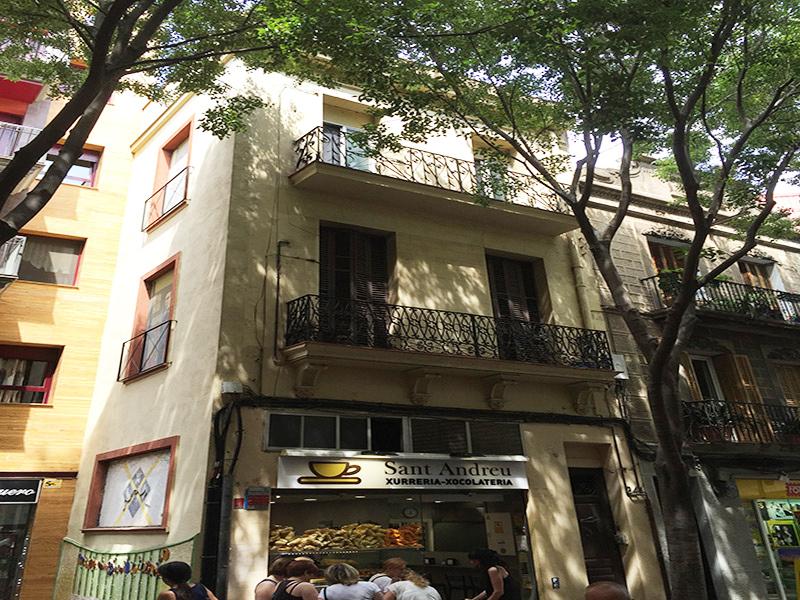 Departamento reformado en la calle comercial de San Andrés.