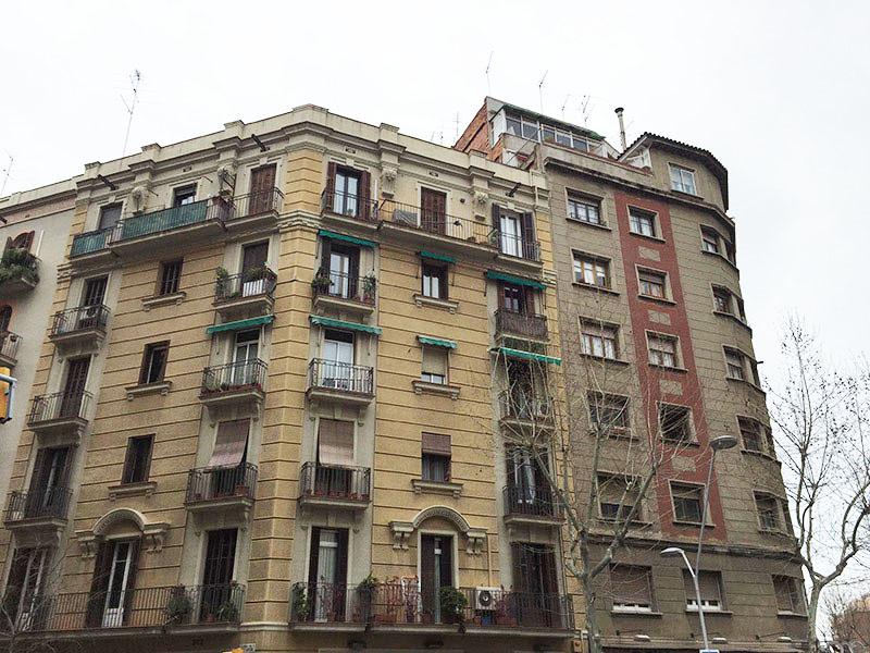 Departamento en edificio típico de Barcelona