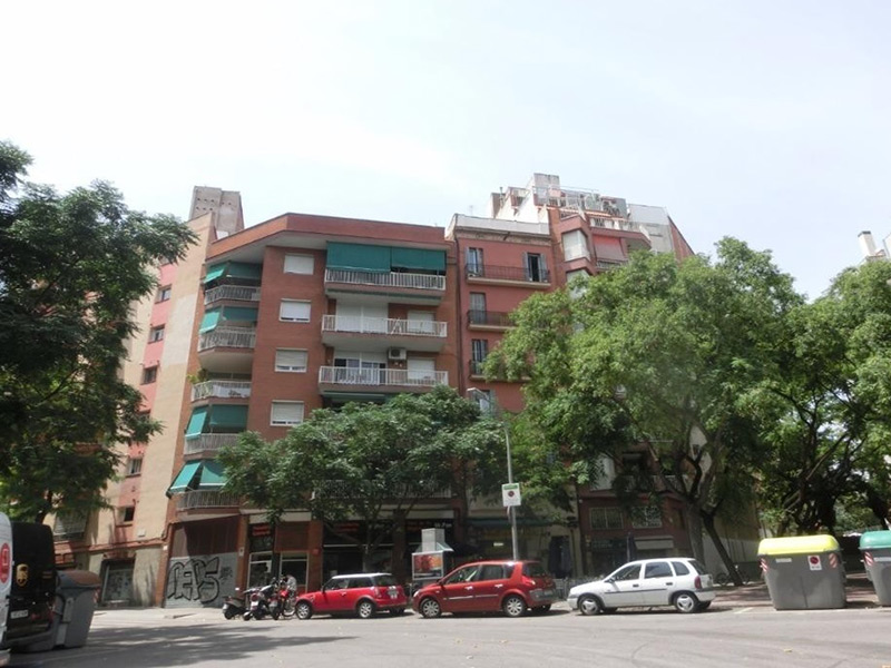 Departamento en edificio típico de Barcelona en  calle Peatonal
