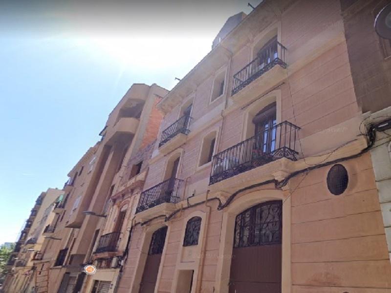 Departamento en calle tranquila cerca de la Torre Agbar.