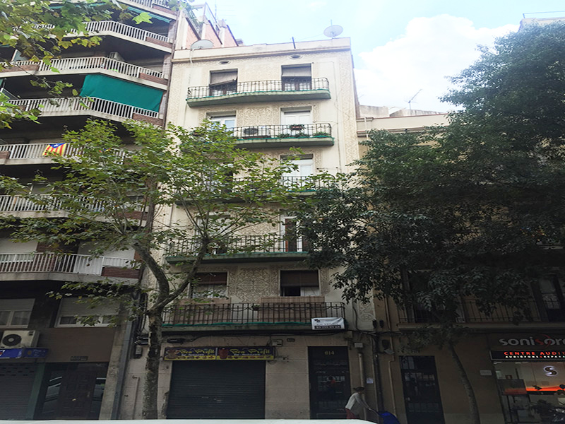 Restored flat of 72.00 m2 in Sant Martí, Camp de l'Arpa del Clot