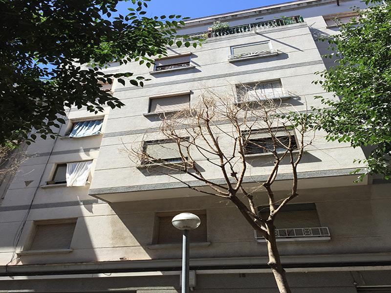 Departamento buena rentabilidad zona cercana al Camp Nou.